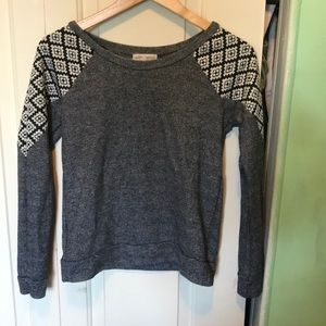 Grey Sweater with a Cool design shoulders